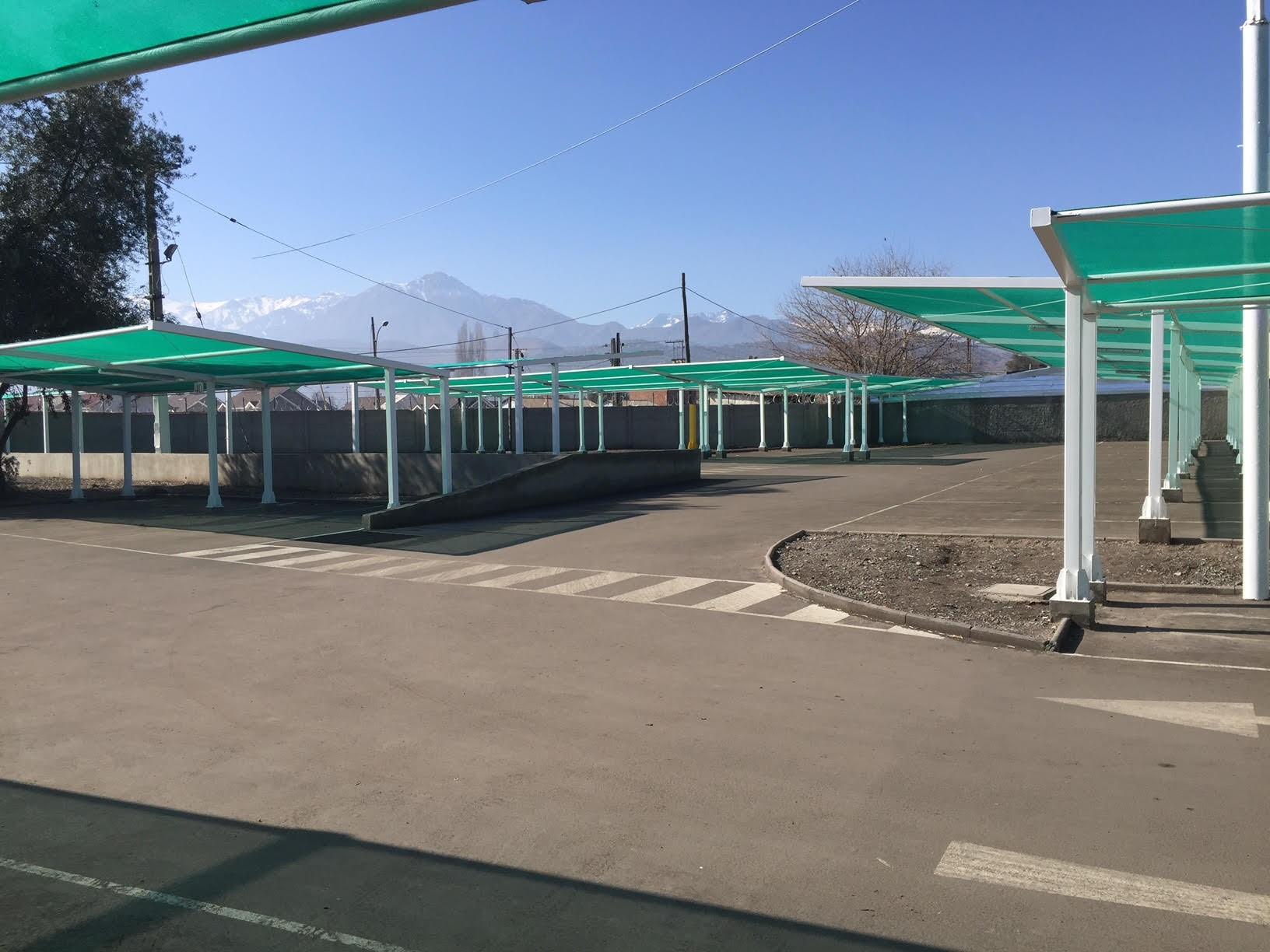 Estacionamiento Instituto Maristas Los Andes y otro